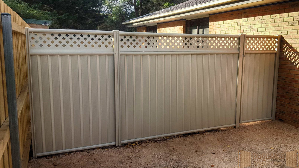 Colorbond Steel fence with privacy lattice