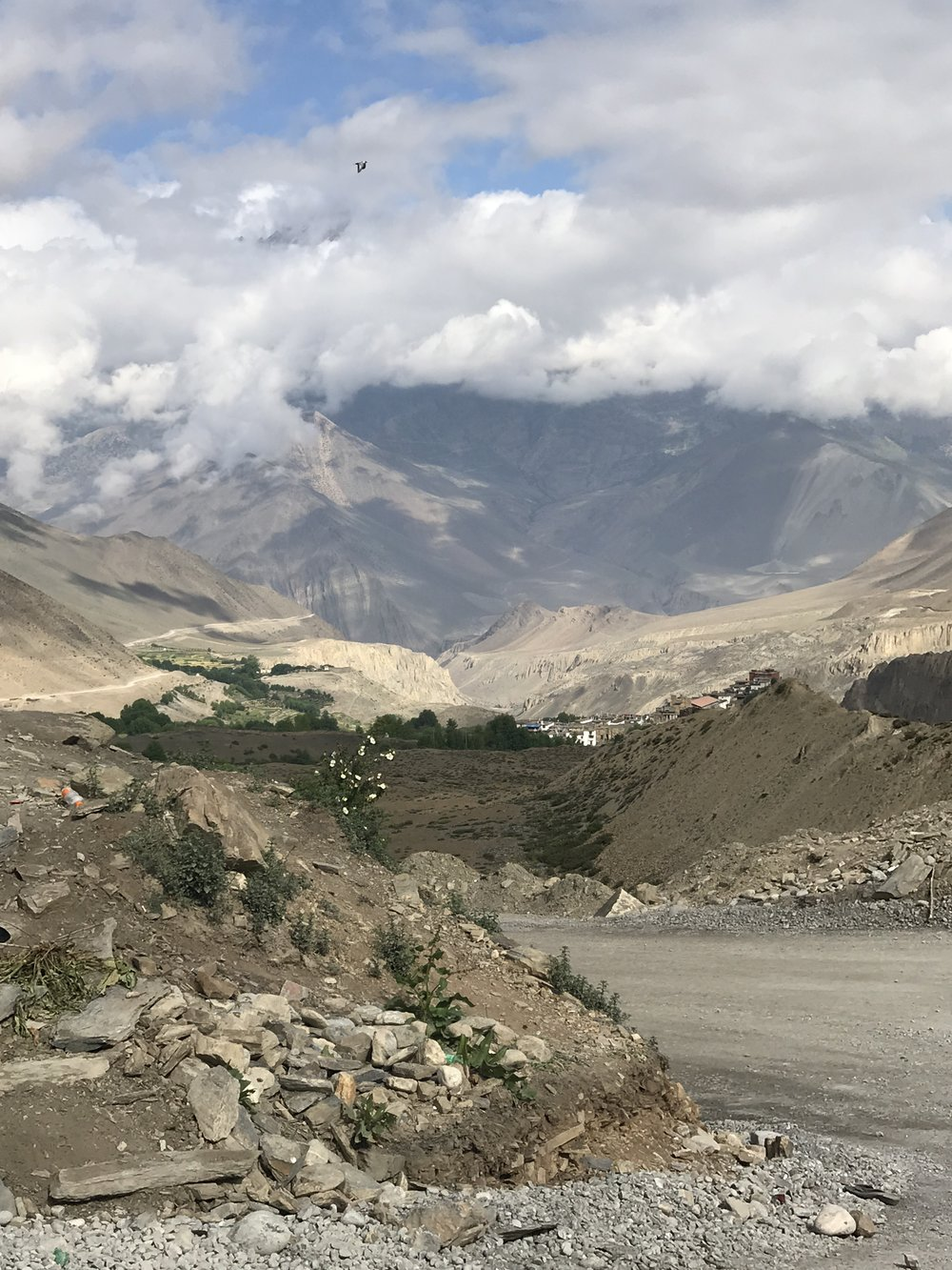 the long, dusty road out of muktinath back to pokhara