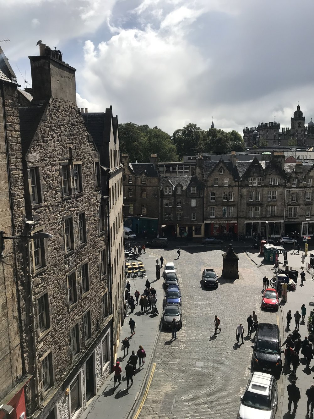 nothing to do with the fringe, but how beautiful is grassmarket on a sunny(ish) day?