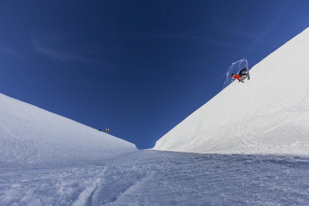 Stone snowboards copyright Sephane Cardusi24.JPG
