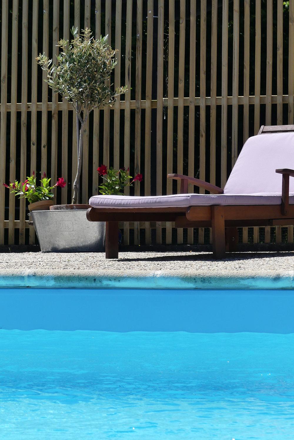 logis-du-breuil-piscine.jpg