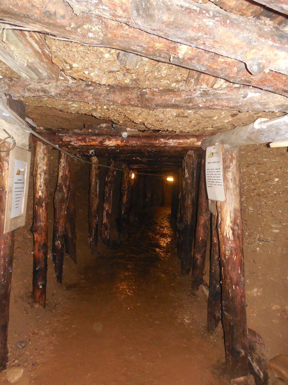 Bosnian_Pyramids_Tunnels.JPG