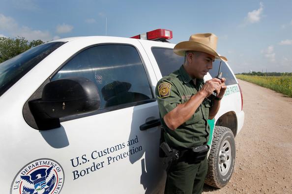 Daniel+Tirado+Agents+Patrol+Texas+Border+Stop+3Gs5BtoUheol.jpg