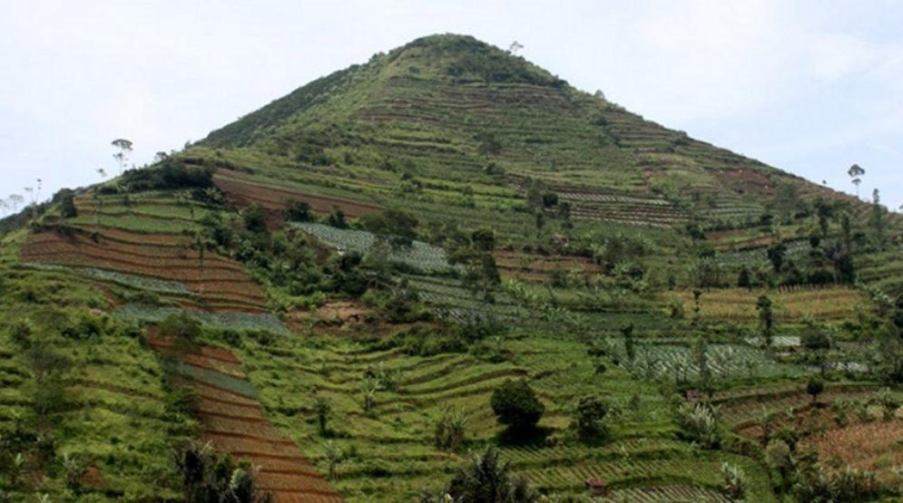 Resultado de imagen para piramide en Padang