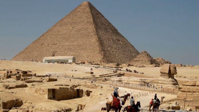 _104193155_piramide1.jpg