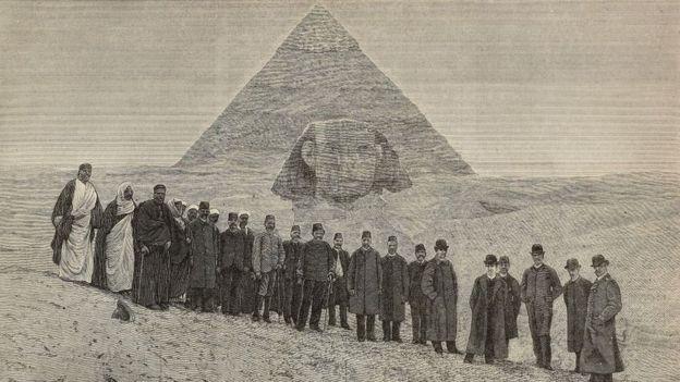 _104193153_piramide.jpg