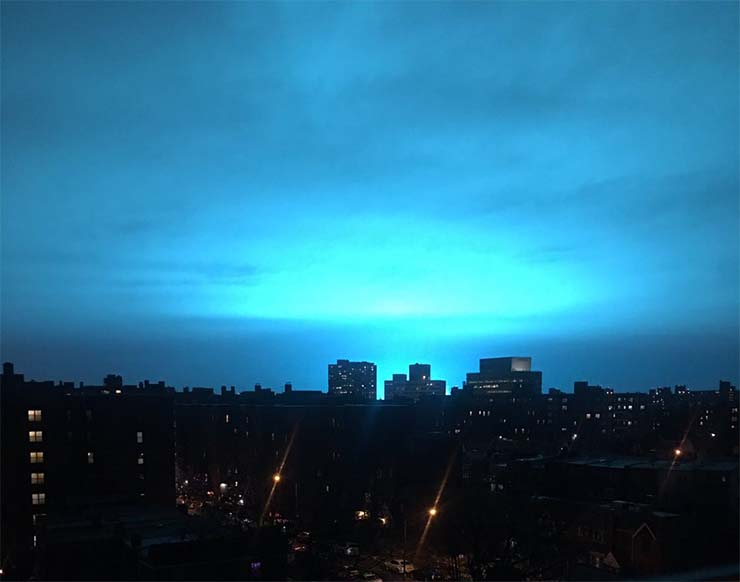 ovnis-misteriosa-luz-azul.jpg
