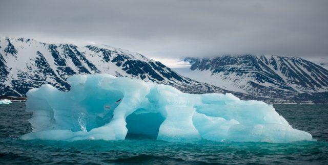 iceberg-noruega-2-e1518118324623-640x323.jpg