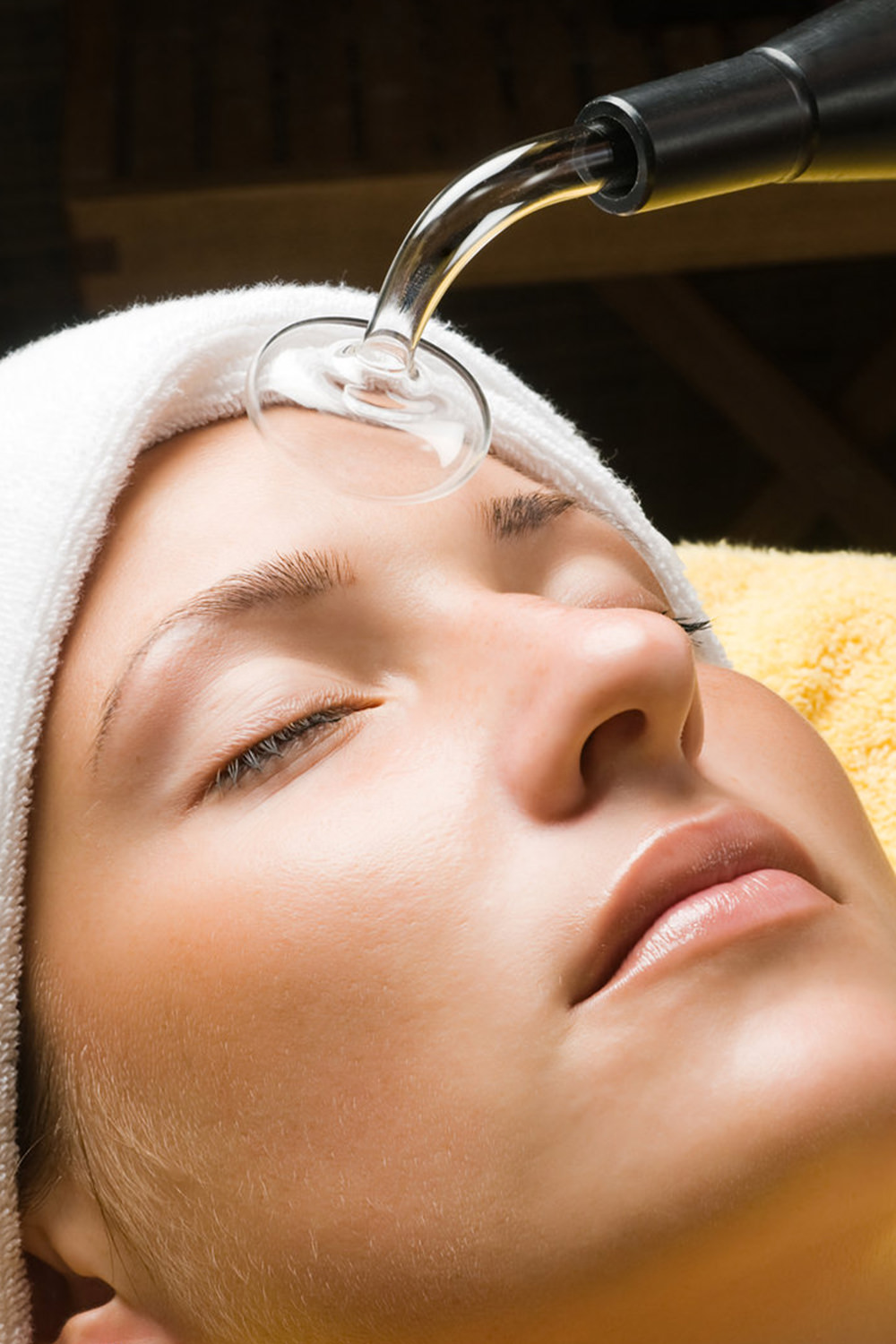 """Steam Extraction - $60Appropriate for all skin types, this """"lunchtime facial"""" provides noticeable results with minimal time commitment. The Steam & Extraction includes a cleansing, steam & extraction, and a customized mask."""
