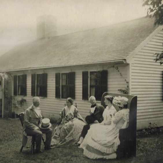 Johnson Cottage in 1920s.jpg