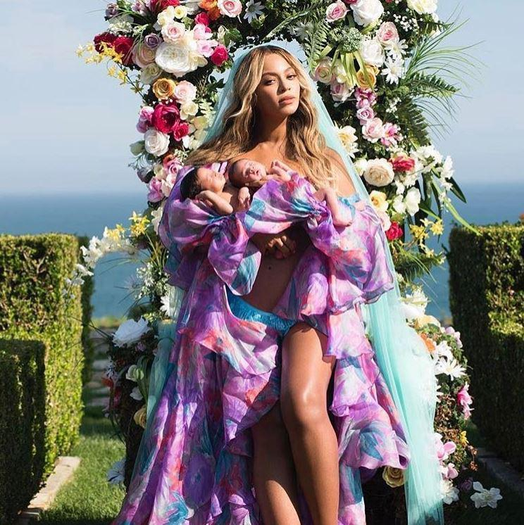 25 BEYONCE - 25Beyonce had her twins Rumi and Sir