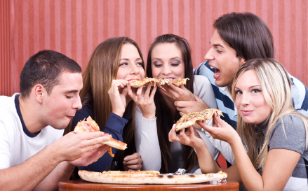 teenagers-eating-pizza.jpg