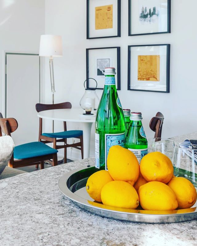 When life gives you lemons 🍋🍋🍋 put all of them in a big bowl on your counter ☺️ such a bold accent to wake you up emotionally and visually 😉⠀ .⠀ Have a lovely weekend everyone!⠀ .⠀ 📷 Breakfast nook at the Penthouse Condo in the heart of Toronto styled by me for Airbnb project. ⠀ .⠀ You can instantly shop similar products via link in bio - click Shop the Look tab and Style with me ☺️⠀ .⠀ .⠀ .⠀ #sofiasakare #interiorstylist #edesign #onlineinteriordesign #virtualinteriordesign #homestyling #midmod #moderninterior #homedecor #interiordecorator #moderndecor #interiordesigninspiration #designlovers #designdiaries #designinspo #interiorstyle #interiorlovers #deco #homedesign #interiorinspo #interiorstyling