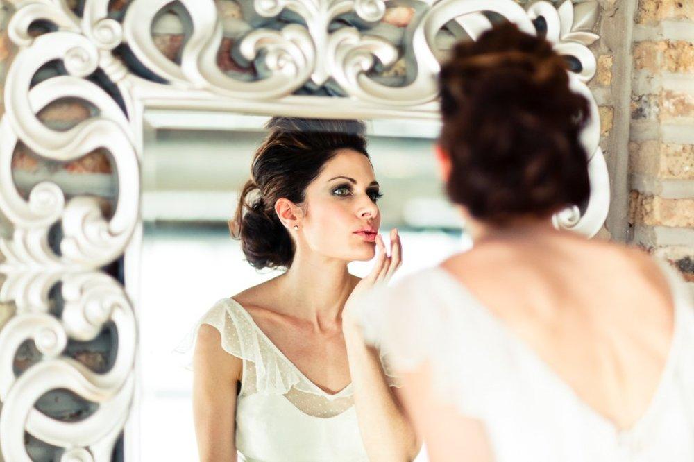 blog_how_to_hire_a_wedding_makeup_artist_1024x1024.jpg