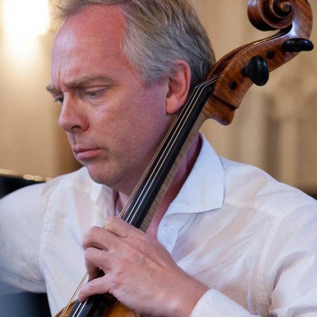 Kim Bak Dinitzen - Cello