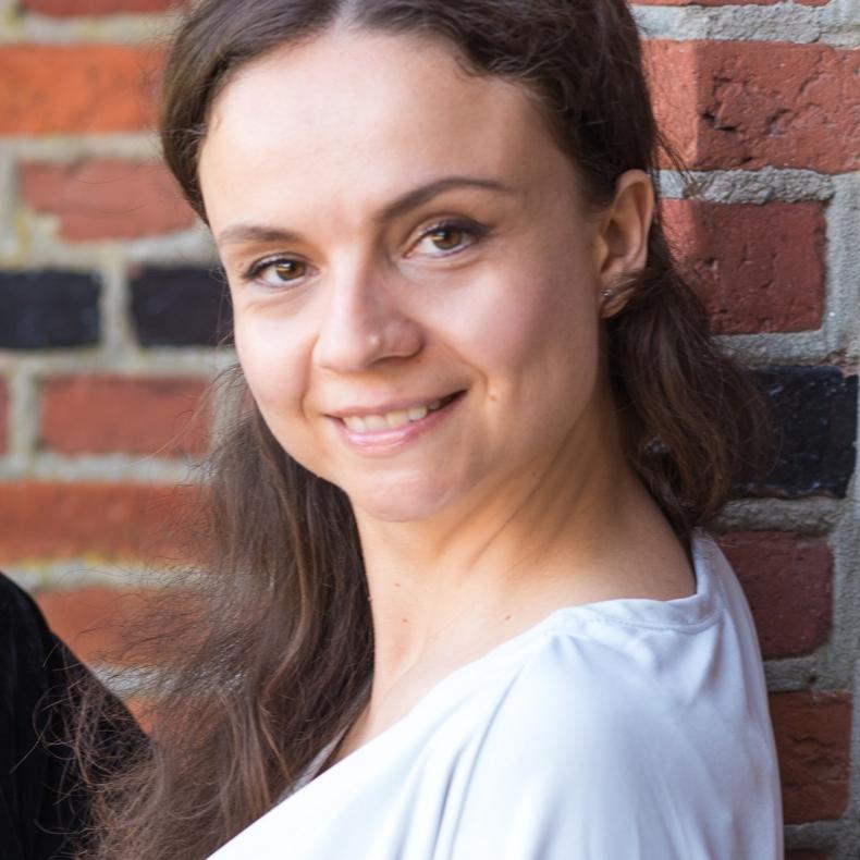 Julia Sigova - Piano