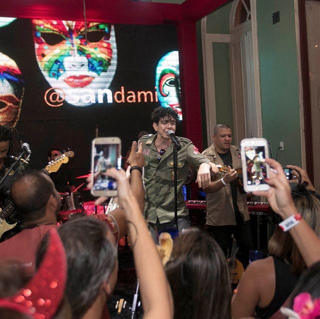 🎉 A variedade de talento pernambucano que pisou no palco do @carnavalrecifeantigo, num foi careta, não! Cinco dias de música e cultura pernambucana nos mais diversos segmentos para todos os públicos! 🎊