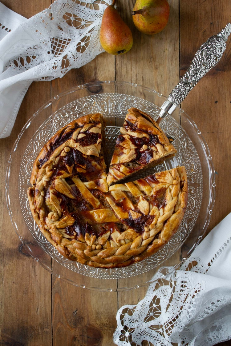 saffron-custard-pear-pie