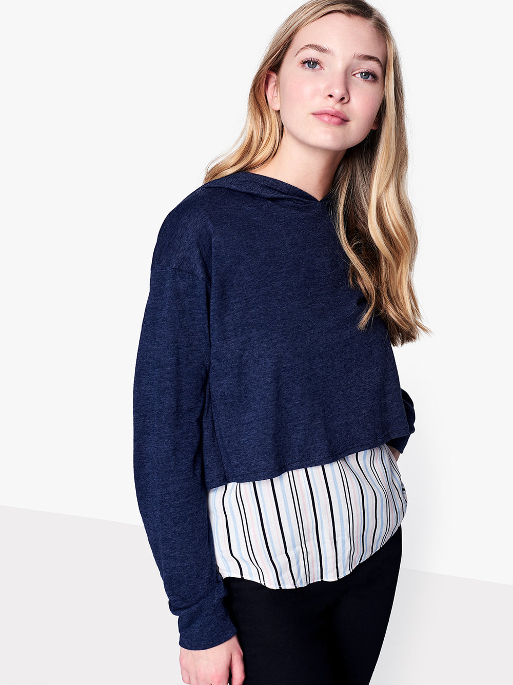 1186945 - NAVY HOODIE W  STRIPED SHIRT UNDERLAY_040.jpg