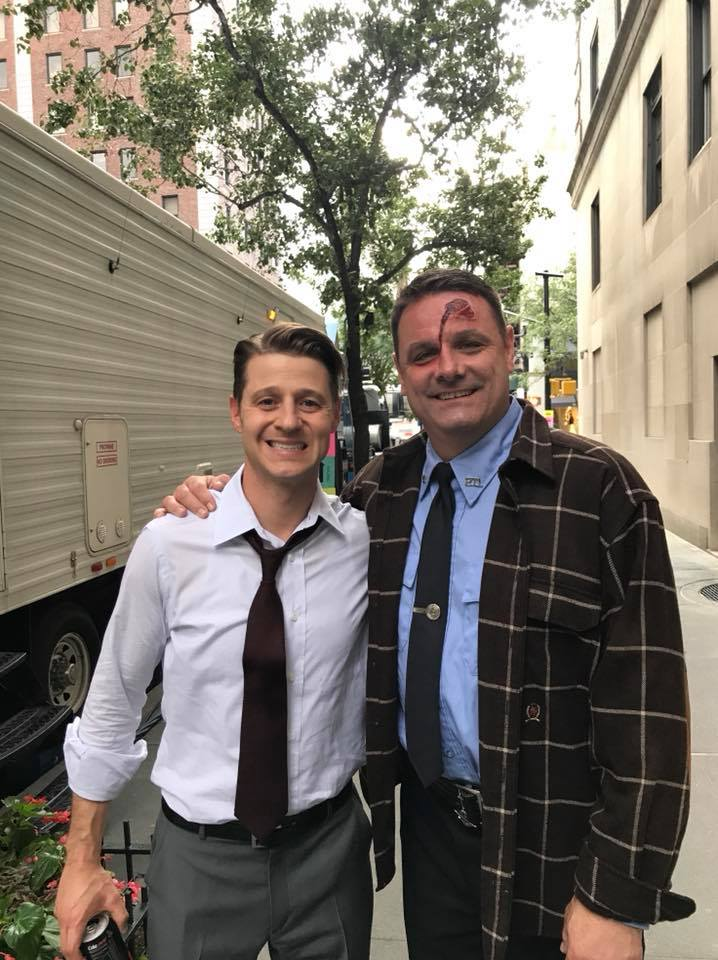 "on set of ""GOTHAM"" with Ben McKenzie"