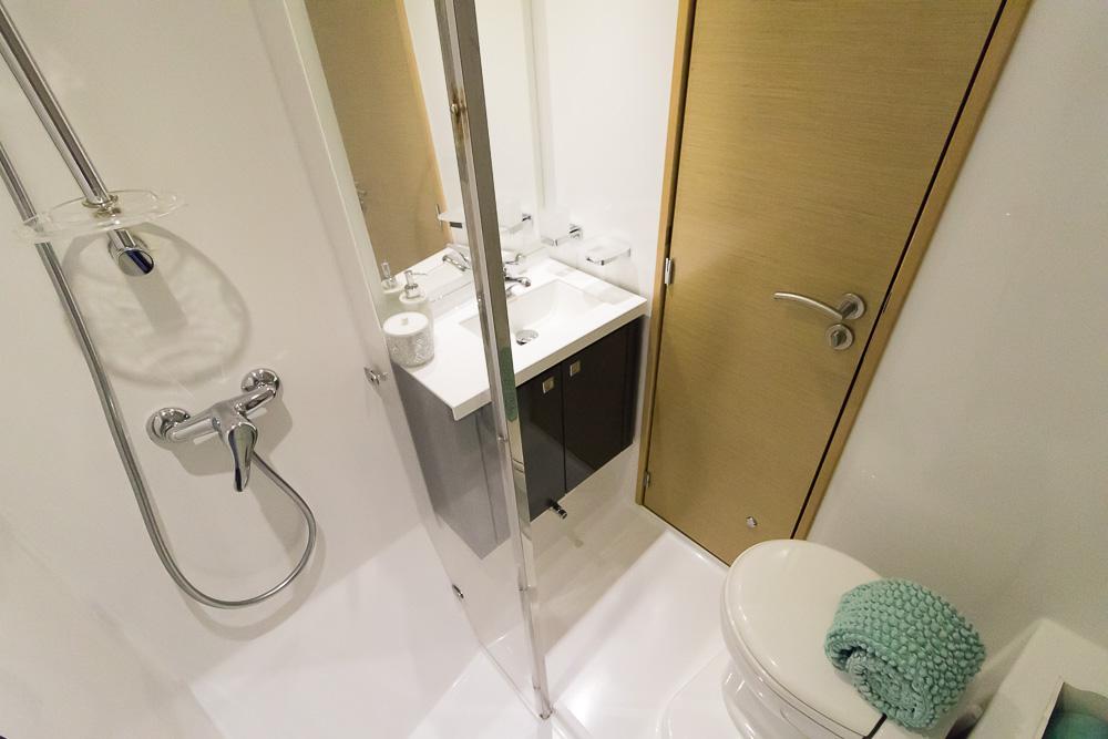 Aoibh-Stateroom Bathroom