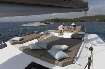 Flybridge on Sea Dragon makes for the ideal location to enjoy a tropical sunset and cocktail.