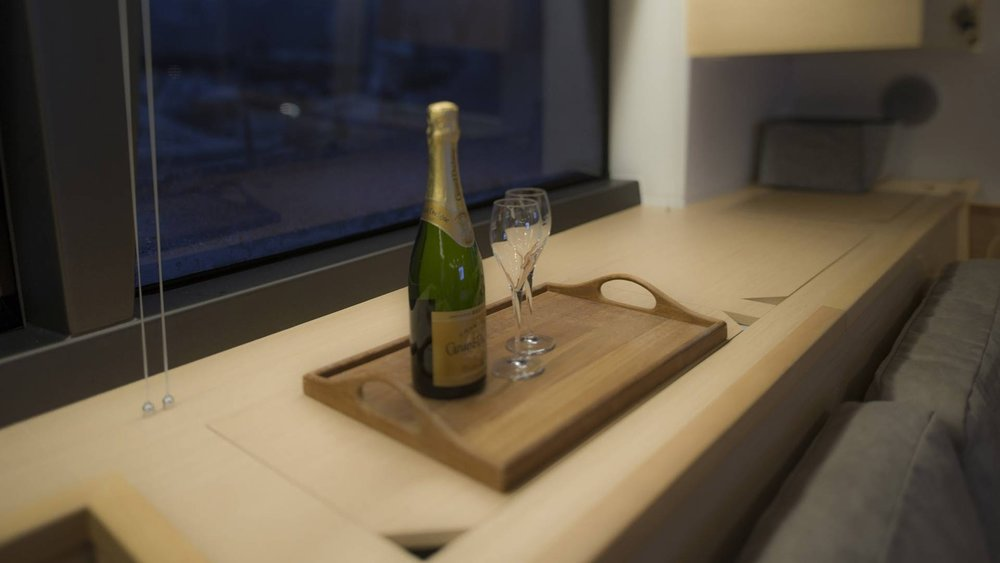 alyssa-sailing-catamaran-aa-charter-l.jpg