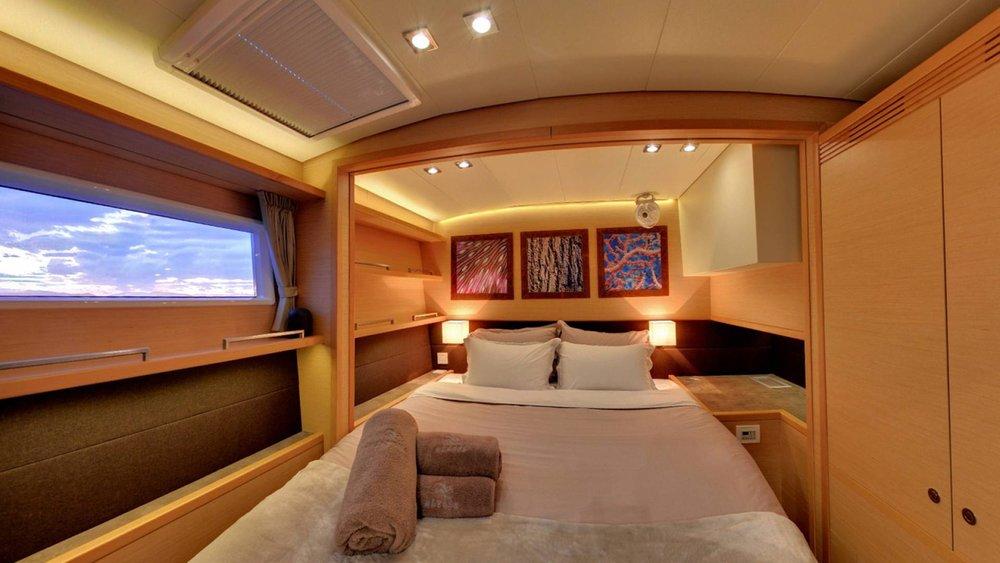 catamaran-crewed-charters-greece-l.jpg