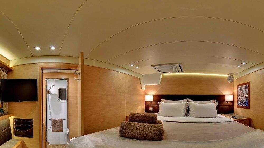 inside-lagoon-catamaran-l.jpg