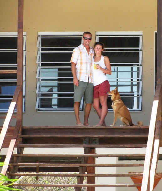 Jason, Mandy, Pivo-Belize