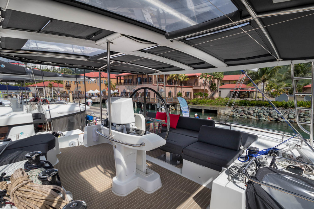 Oui Cherie Flybridge- the perfect place to relax.
