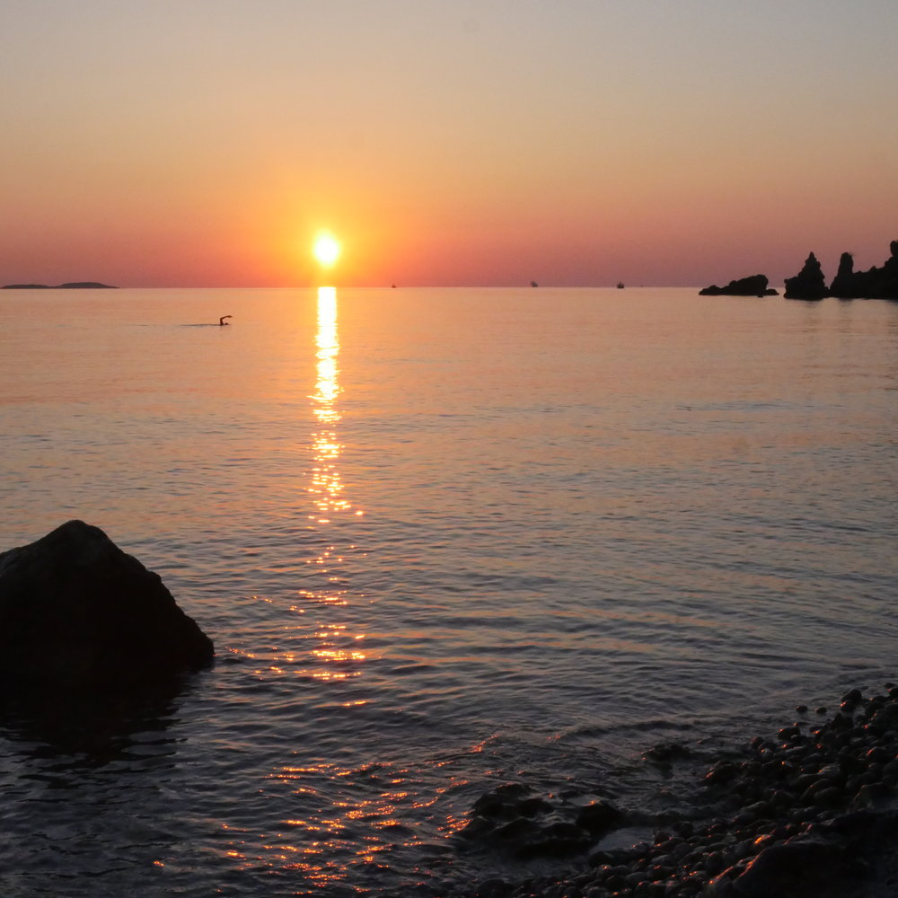 Crete_Sunrise_swim_Roxana_P1070335.JPG
