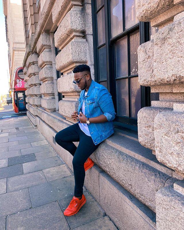 Been a while...hope everyone's having a great Sunday • • • #fashion#denim#denimwear#streetstyle#streetfashion#dapper#fashionformen#styleformen#menswear#menswearstyle#highstreetstyle#highfashionmen#highstreetfashion#casualfashion#casualstyle#discoverunder5k#picoftheday#styleblogger#fashionblogger#instadaily