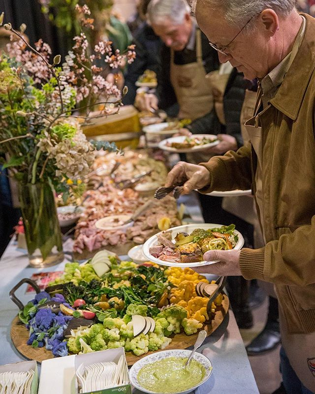 The lunch farm bounty at Maialata is brought to us by @thenightwoodsociety and is incredible!  Included in both ticket types. 🥰 For more info on attending the 7th annual Maialata, check our website!