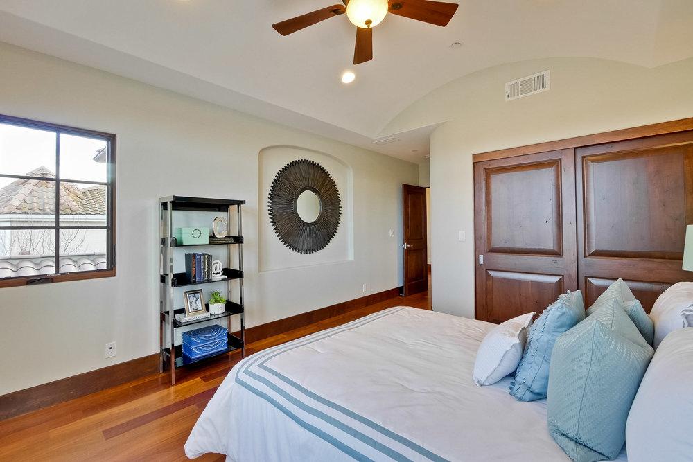 10b_Bedroom      3.jpg