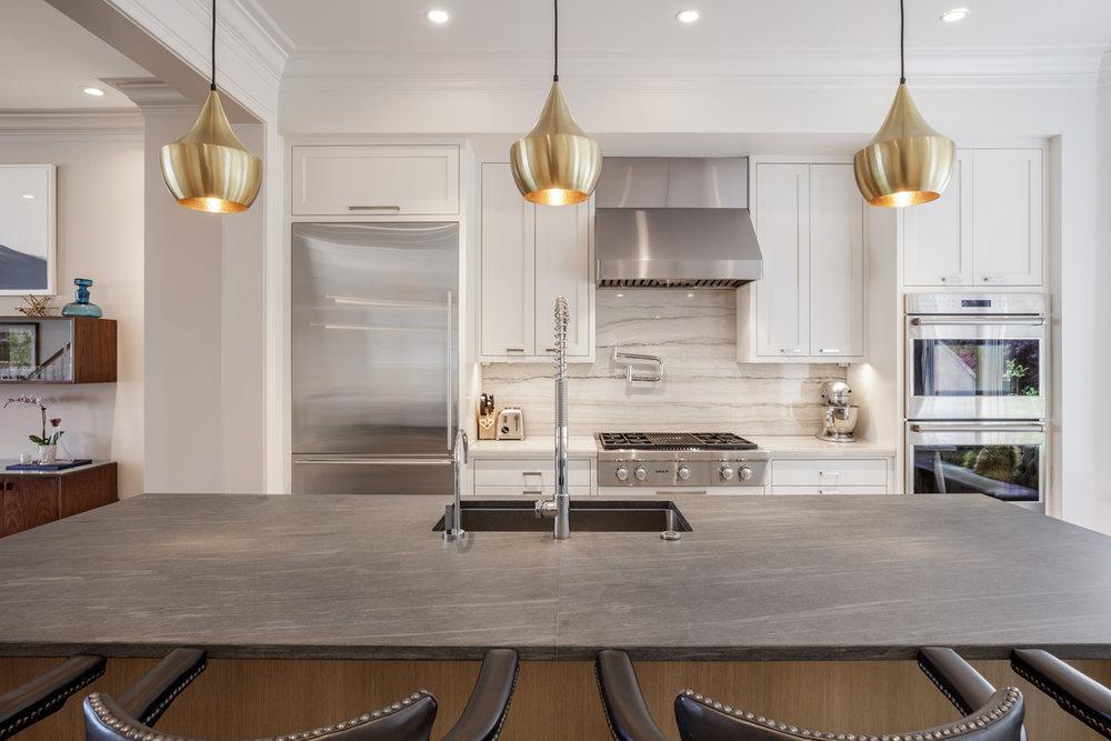 11-1911A-Vallejo-kitchen-mls.jpg