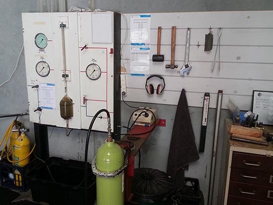 Scuba-Cylinder-Hydro-Newcastle.jpg