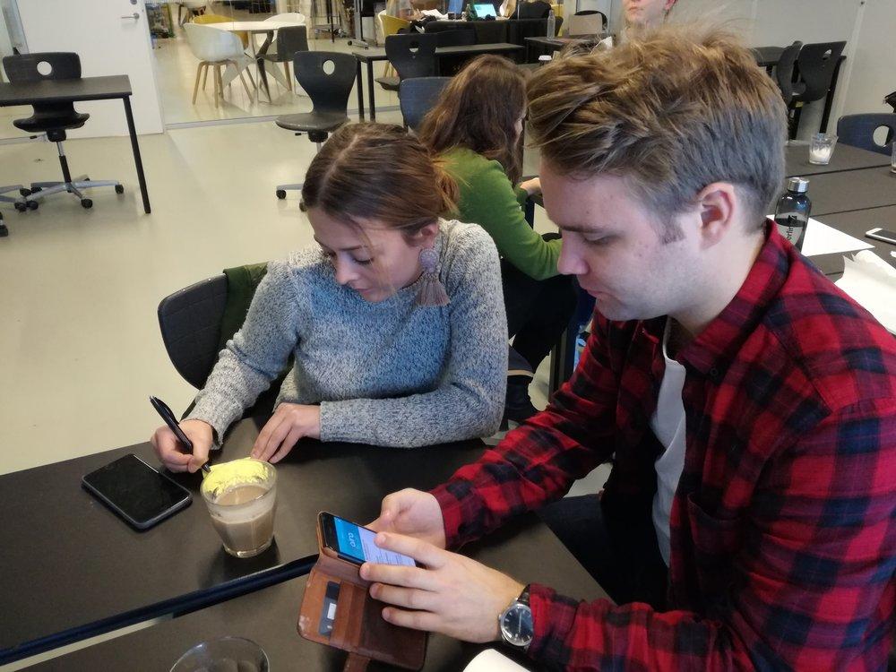 Studerende ved Metropol afprøver eksisterende synssimulator apps