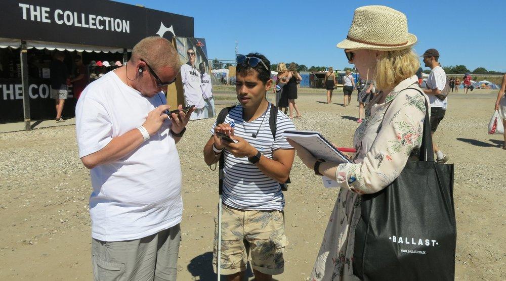 Lasse, Jens og Helle tester tilgængeligheden på Roskilde festival