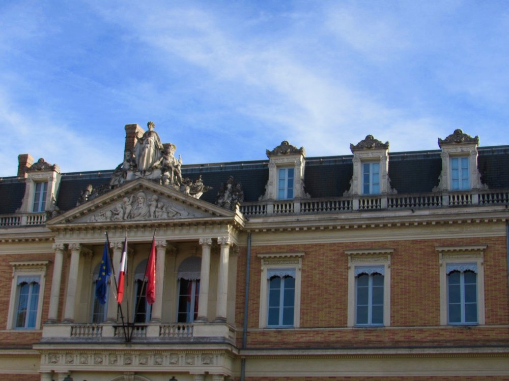 Toulouse  - See what it's like to live + teach in Toulouse, France!
