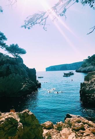Calanque de Sugiton near Marseille Photo courtesy of Emily Garman @emilyygarmann