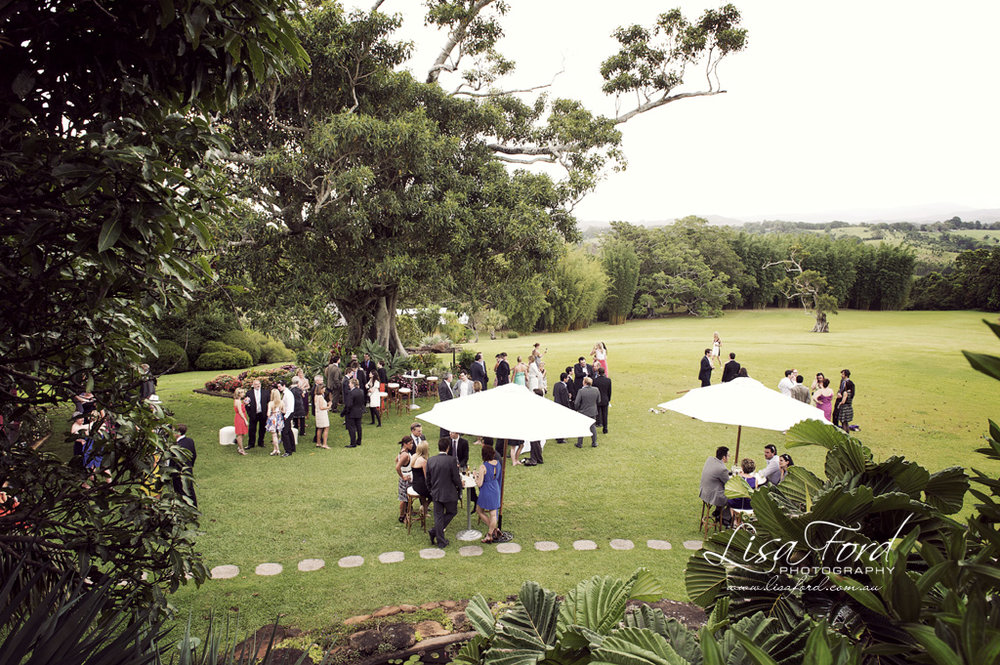 Canapes on the Lawn – Photo Lisa Ford Weddings