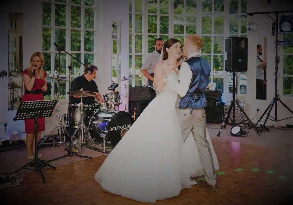 Live Wedding Band Banbury Oxfordshire