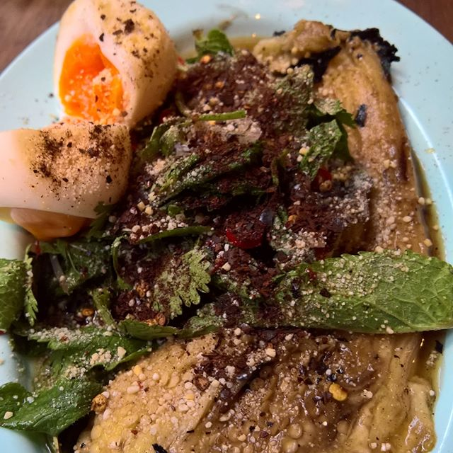 The beautiful tasty food at @smokinggoatbar has got me yearning for more! Had a lovely dinner with @lowrri last night before hopping over to Soho for some karaoke fun.  #chewieeats #foodporn #eggporn #eier #softboiledegg #aubergine #melanzane #thaifood #thailändischesessen #ducklaab #laab #ente #lardofriedrice #lardon #gebratenerreis #chicken #grilledchicken #thaibbq #smokinggoat