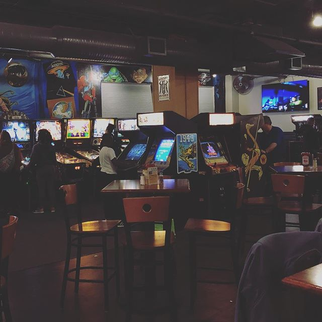 @pints_and_pixels continues to be one of the coolest place in #huntsville! Next time you're in tow check it out. Great #food, #beer and classic #videogames what could be better! #ihearthsv #ihearthsvbeer #speakerlife