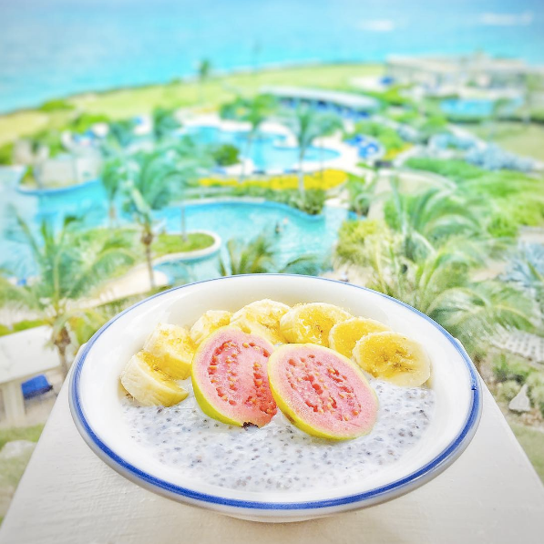 IMG_2-Bowl-Bar-Vegan-Chia-Seed-Pudding-at-The-Crane-Hotel-in-Barbados-by-Marissa-Bronfman-for-Notable-1.png