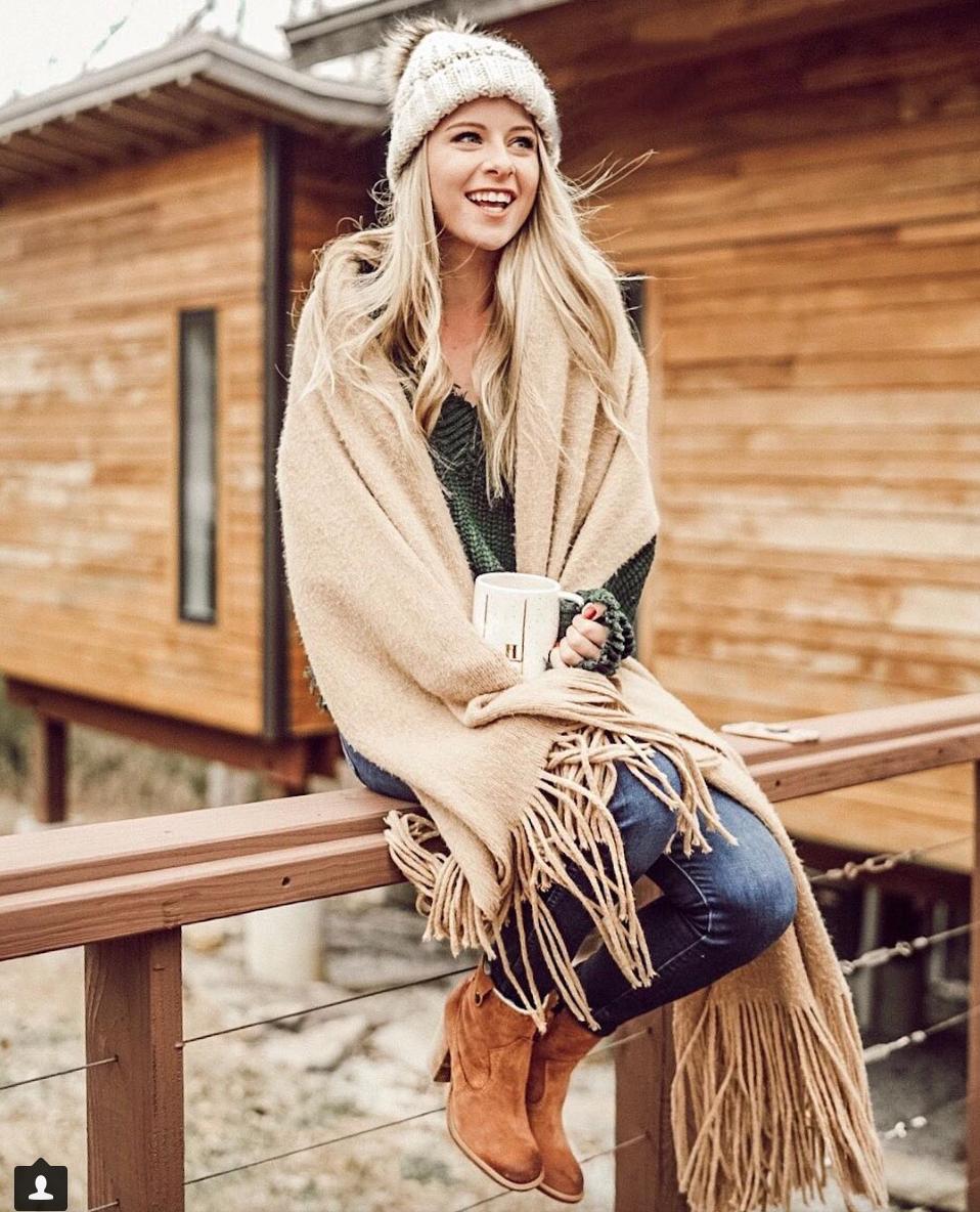 Heather Poppie  / Blogger