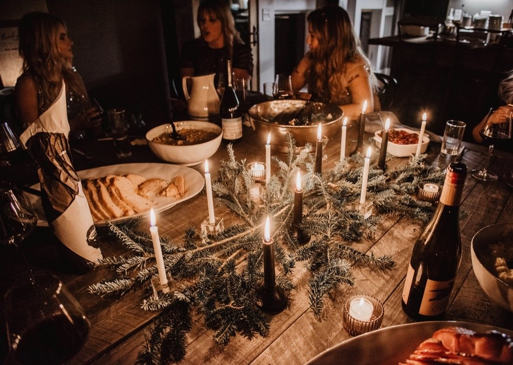 Christmas-dinner-holidaiy-party-caviar-and-bananas-catering-menu-best-dinner-ideas-womens-retreat-tennessee-getaway-tavola-wine.jpg
