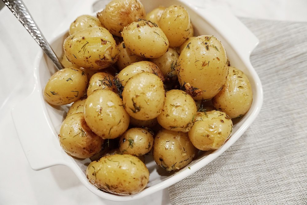 best-side-dish-pan-roasted-garlic-and-dill-potatoes-delicious-healthy-recipe-thefitgal-thesecondmuse-colleen-gallagher.jpg