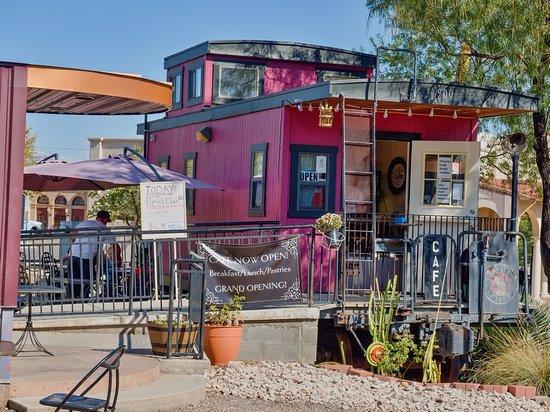 violette-s-bakery-cafe.jpg